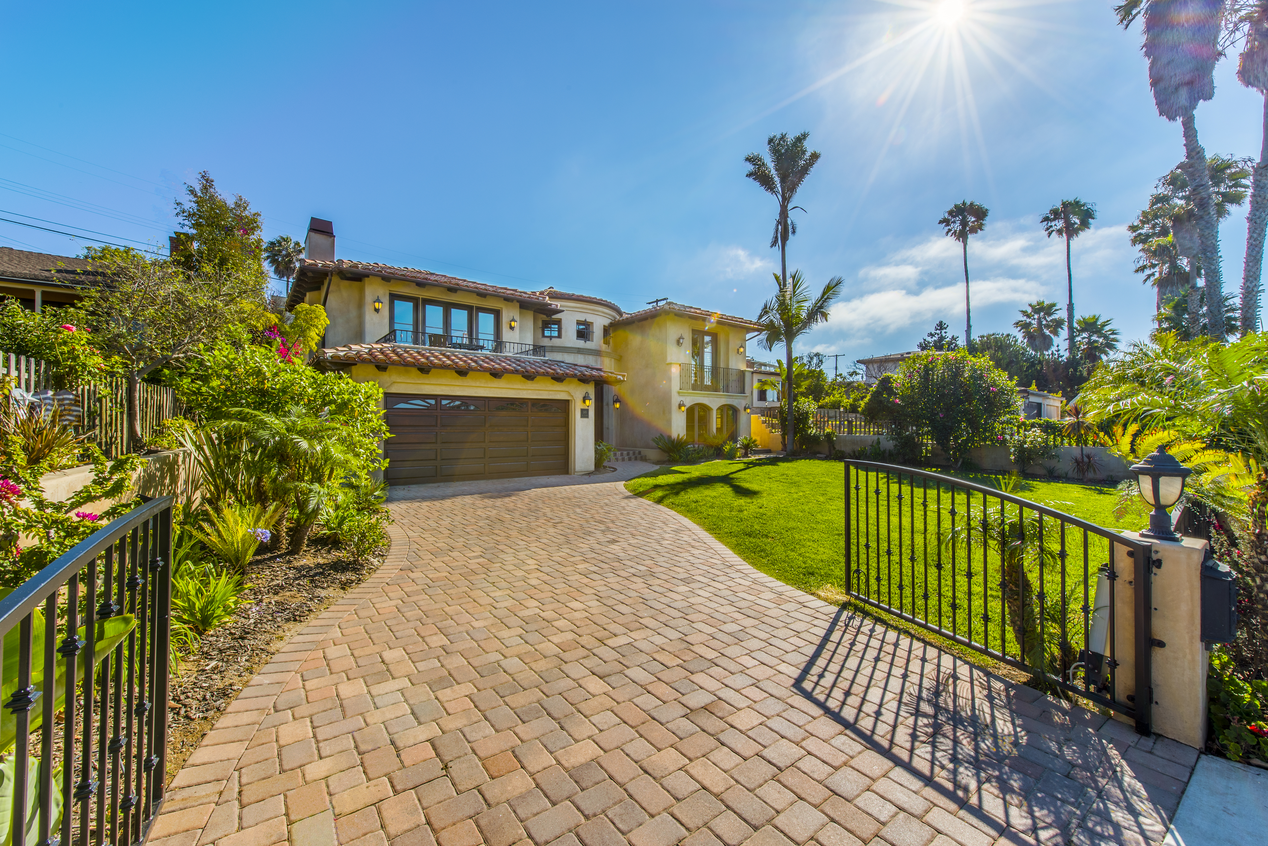 Hollywood Luxury Homes For Sale