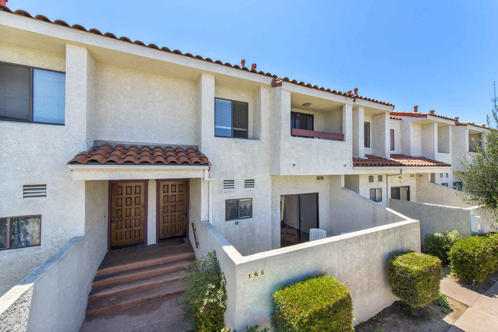 Great 3 Bedroom Plaza Del Amo Townhome For Sale